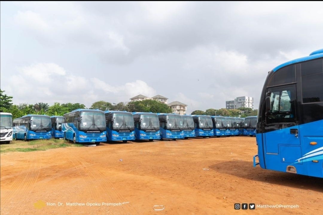 Making the presentation, Dr Prempeh stated that he was honoured to, on behalf of H.E. President Akufo-Addo, hand over these buses in fulfillment of government's commitment to ensure that the education sector was adequately resourced to deliver improved learning outcomes in this country.